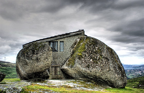 16 Mystical But Real Houses Where You'd Love To Live-16