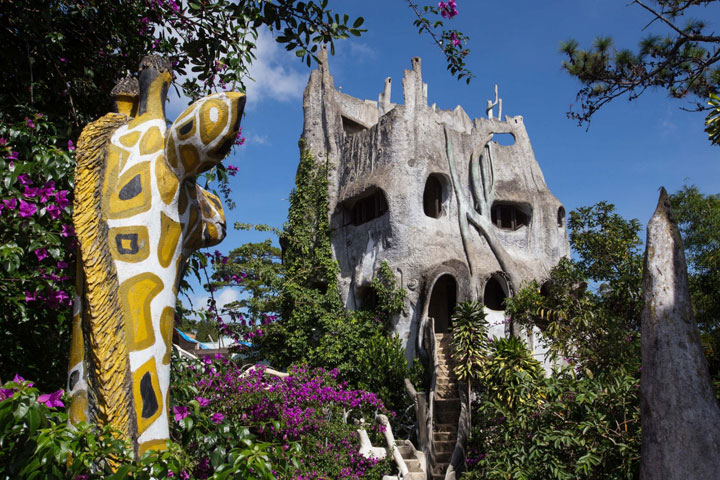 16 Mystical But Real Houses Where You'd Love To Live-19