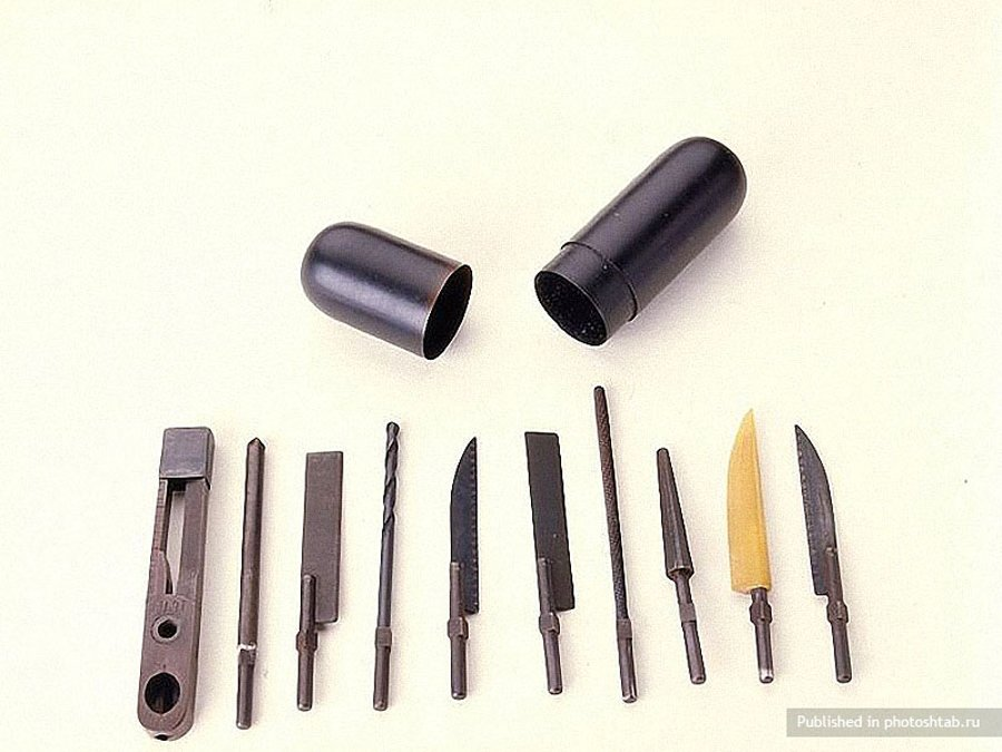 CIA tool kit from 60s-39 Amazing Spy Gadgets From The Cold War Era-26