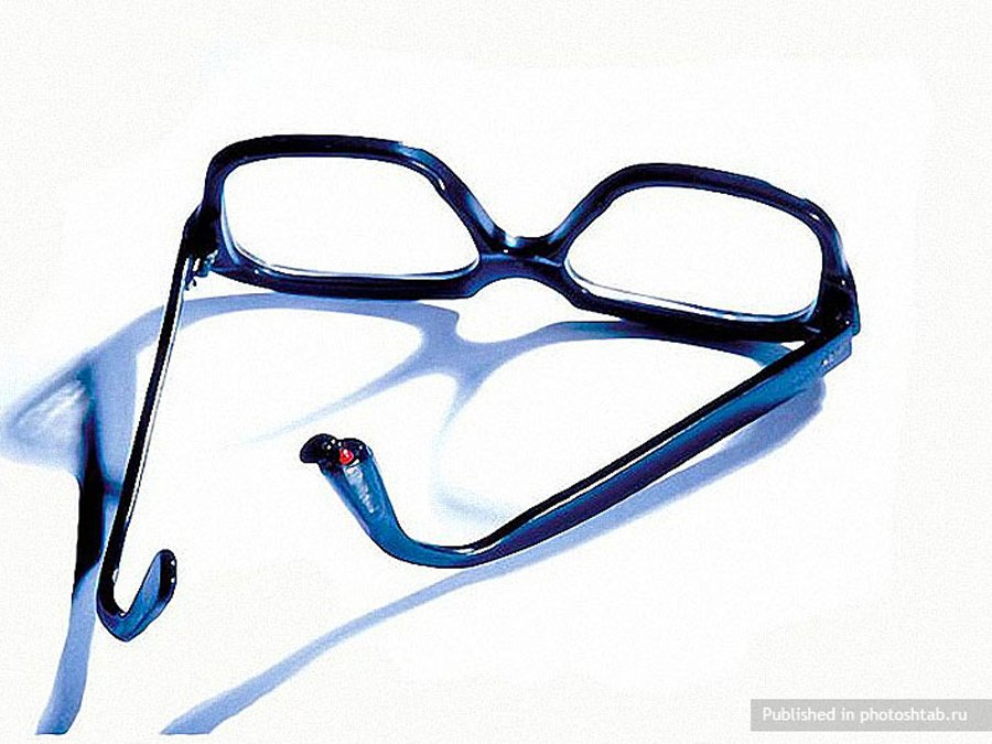 Poison glasses-39 Amazing Spy Gadgets From The Cold War Era-29