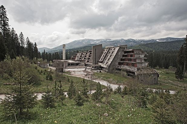 Top 16 Haunting Photos Of Abandoned Olympic Venues-17