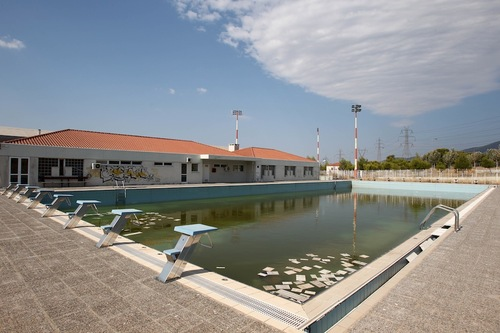 Olympic Swimming Pool-Top 16 Haunting Photos Of Abandoned Olympic Venues-5