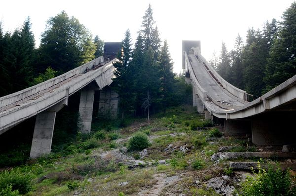 Sarajevo Ski jumping hillTop 16 Haunting Photos Of Abandoned Olympic Venues-8