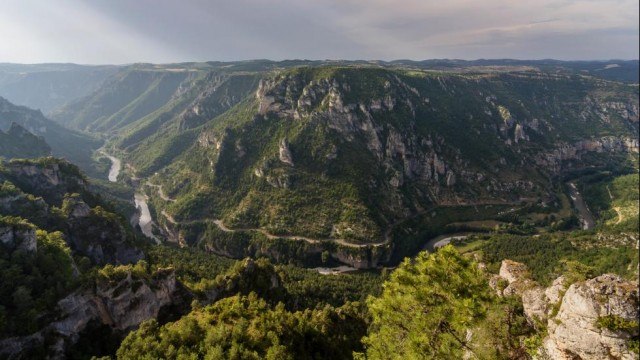 Les-Gorges-du-Tarn-Languedoc-Roussillon-Beautiful-France