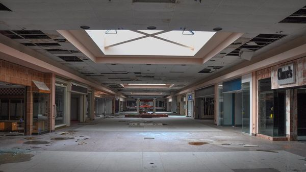 Top 9 Most Surreal Abandoned American Shopping Centers-