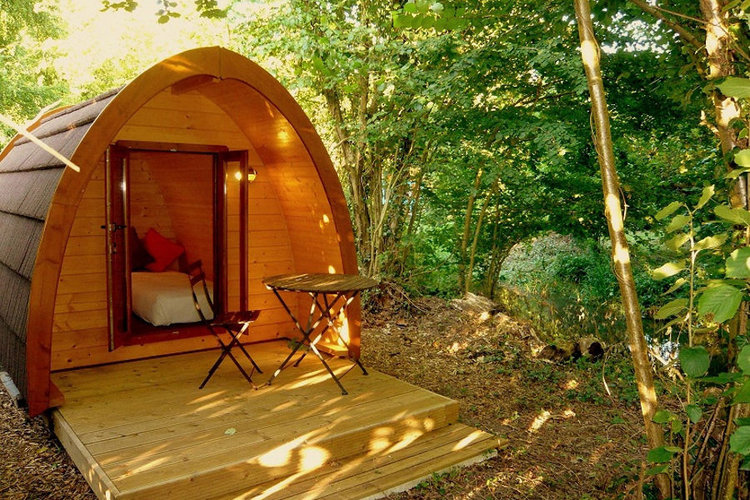 10 Dream Like Wooden Cabins Give New Look To Your Garden-8