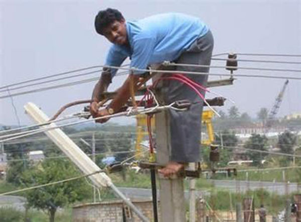 25 Examples Of Worst Engineering Safety Practices-3