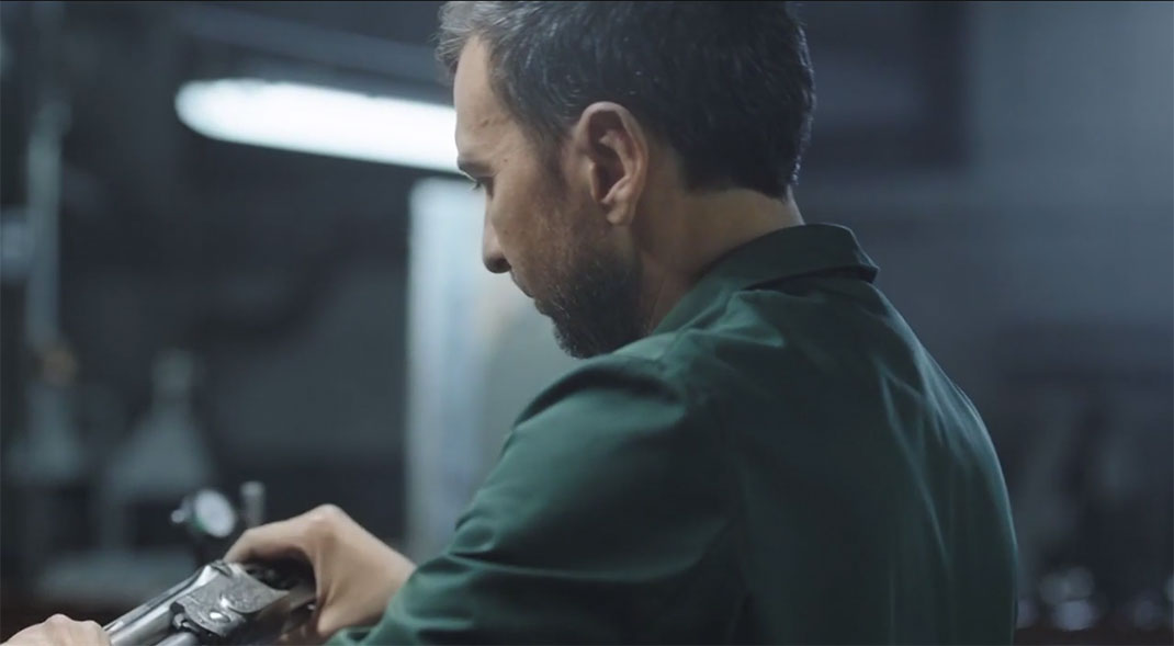 A Fascinating Film Reveals Each Step In Preparation Of A Beretta Shotgun-12