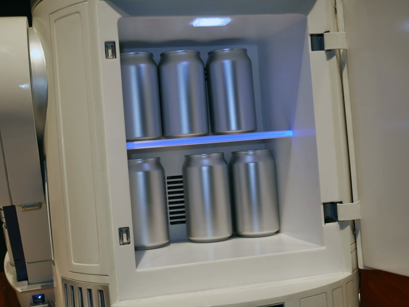 This Amazing R2-D2 Will Come To You And Provide Fresh Drinks-8