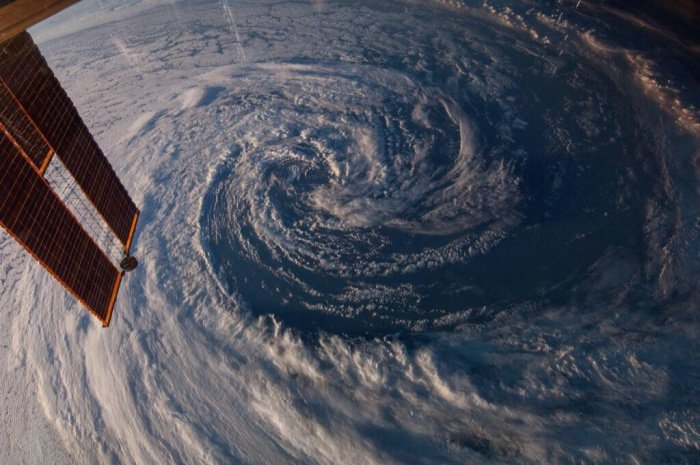 18 Mindblowing Snaps Of The Planet Earth From Space-
