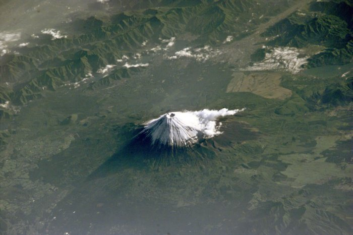 18 Mindblowing Snaps Of The Planet Earth From Space-6