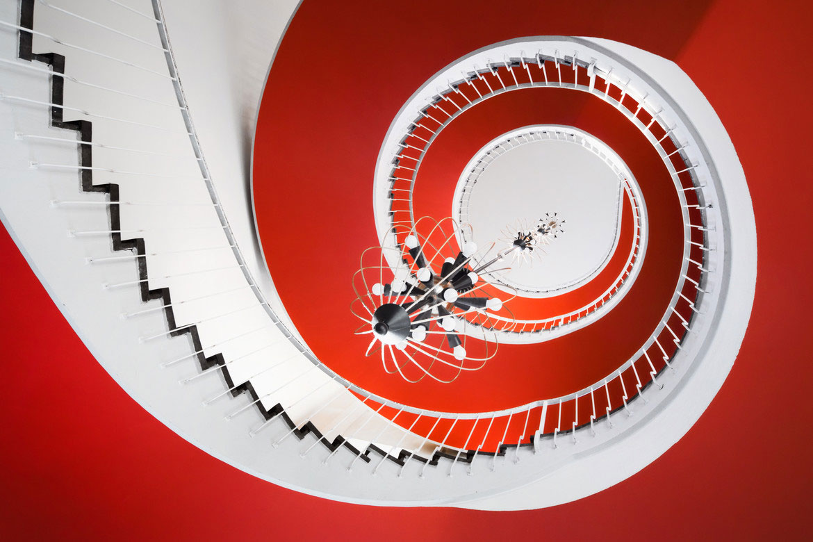 30 Absolutely Mesmerizing Spiral Staircase Designs From Around The World-10