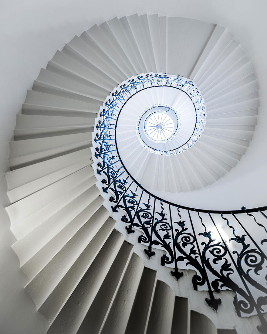 30 Absolutely Mesmerizing Spiral Staircase Designs From Around The World-22