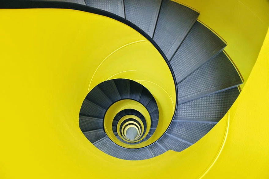 30 Absolutely Mesmerizing Spiral Staircase Designs From Around The World-23