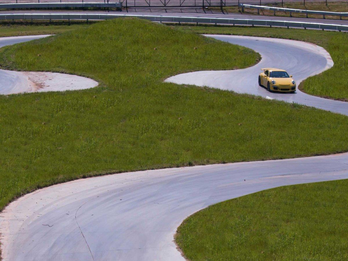 Amazing Photos Of Porsche's Glossy $100-million Headquarters In Atlanta-4