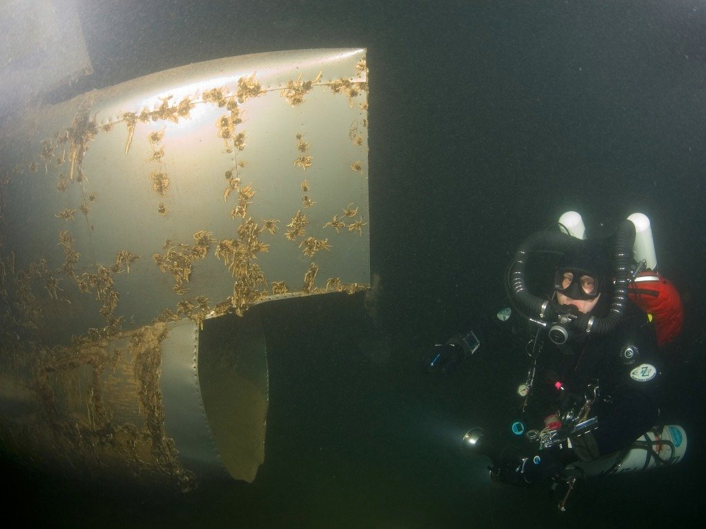 Amazing Pictures of World War 2 Bomber At Bottom Of Nevada Lake-3