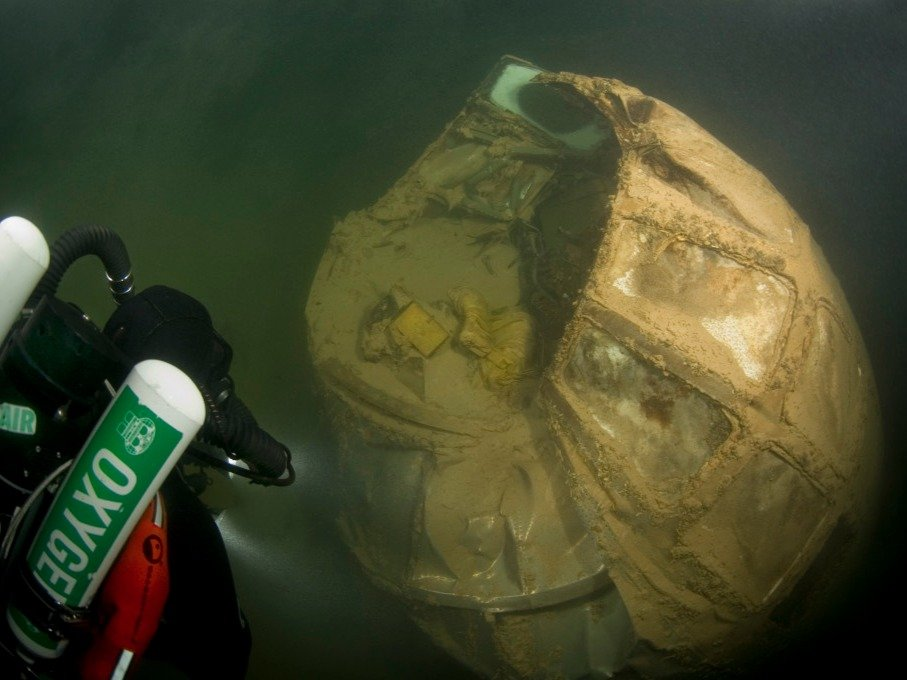 Amazing Pictures of World War 2 Bomber At Bottom Of Nevada Lake-4
