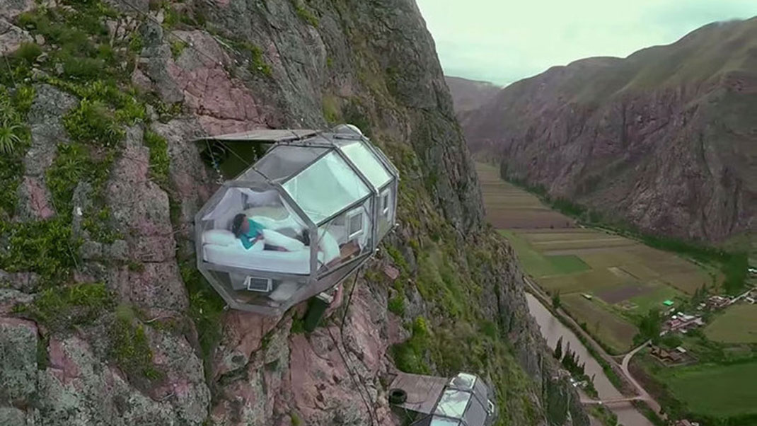Dare To Spend A Night In These Dizzying Capsules More Than 100 Meters High-