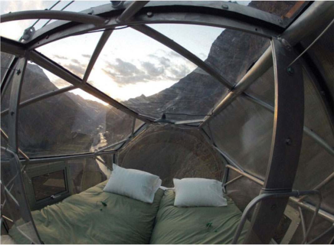 Dare To Spend A Night In These Dizzying Capsules More Than 100 Meters High-2