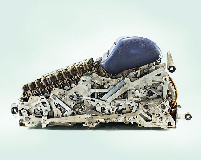 A mechanical calculator-Discover Amazing Cross-section View Of 22 Everyday Objects Cut In Half-13