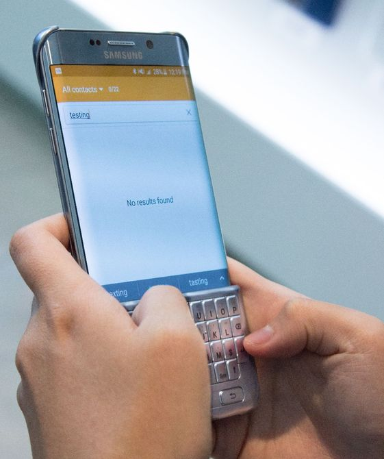 Hands-on Review Of Samsung's Blackberry Like Qwerty Keyboard-2