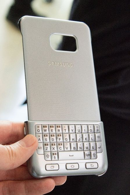 Hands-on Review Of Samsung's Blackberry Like Qwerty Keyboard-3