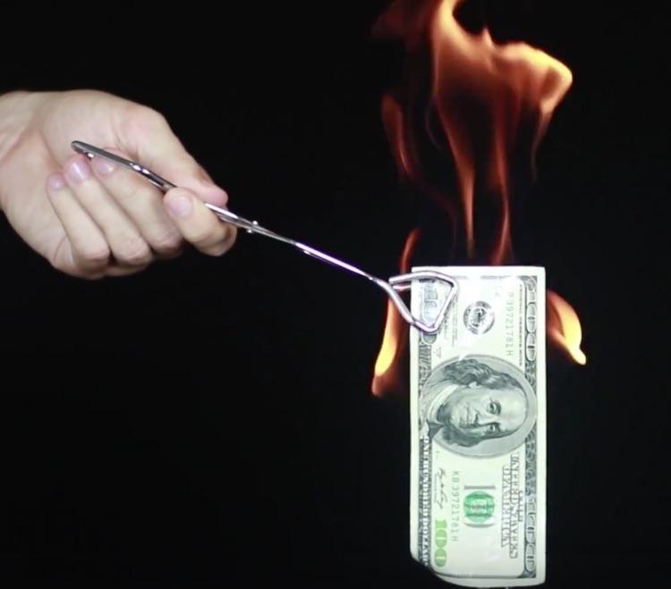 Mindblowing Hack Lets You Set Money Aflame Without Burning It-