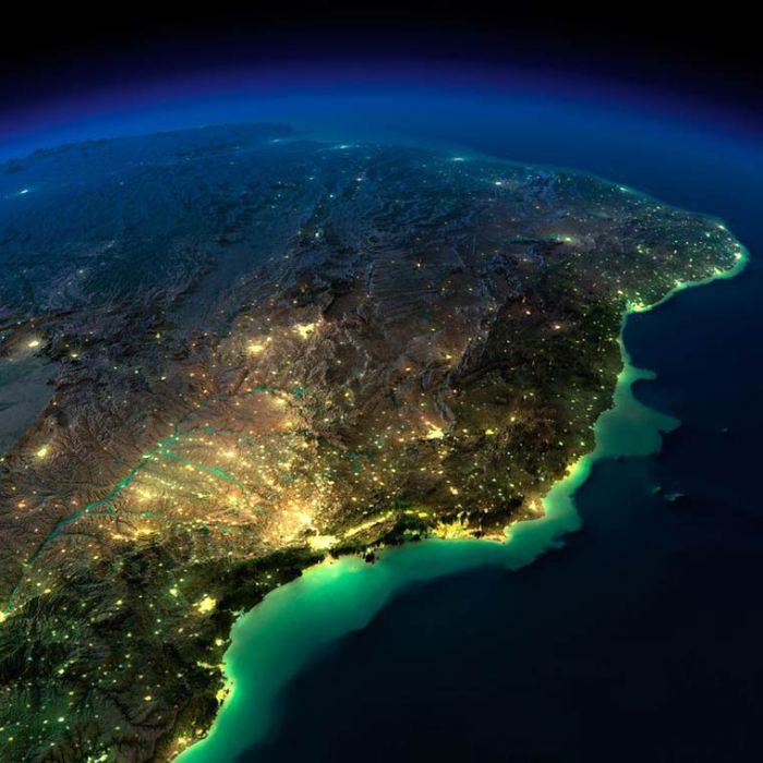 NASA-releases-stunning-photographs-of-Earth-From-Space17