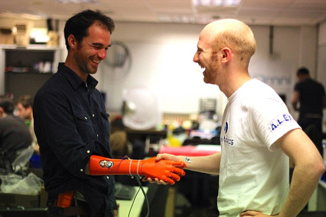 This Cost-Effective But Advanced Robotic Hand Helps Amputees Improve Quality Of Life-1