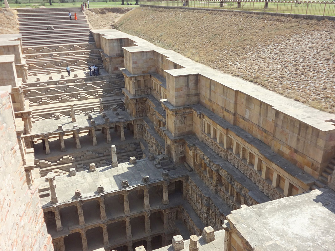 Admire These 2000 Year Old Somptous Buildings In India Destined To Disappear-12