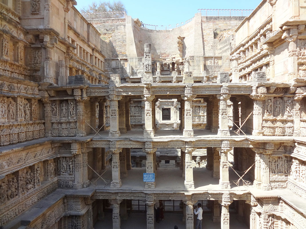 Admire These 2000 Year Old Somptous Buildings In India Destined To Disappear-15