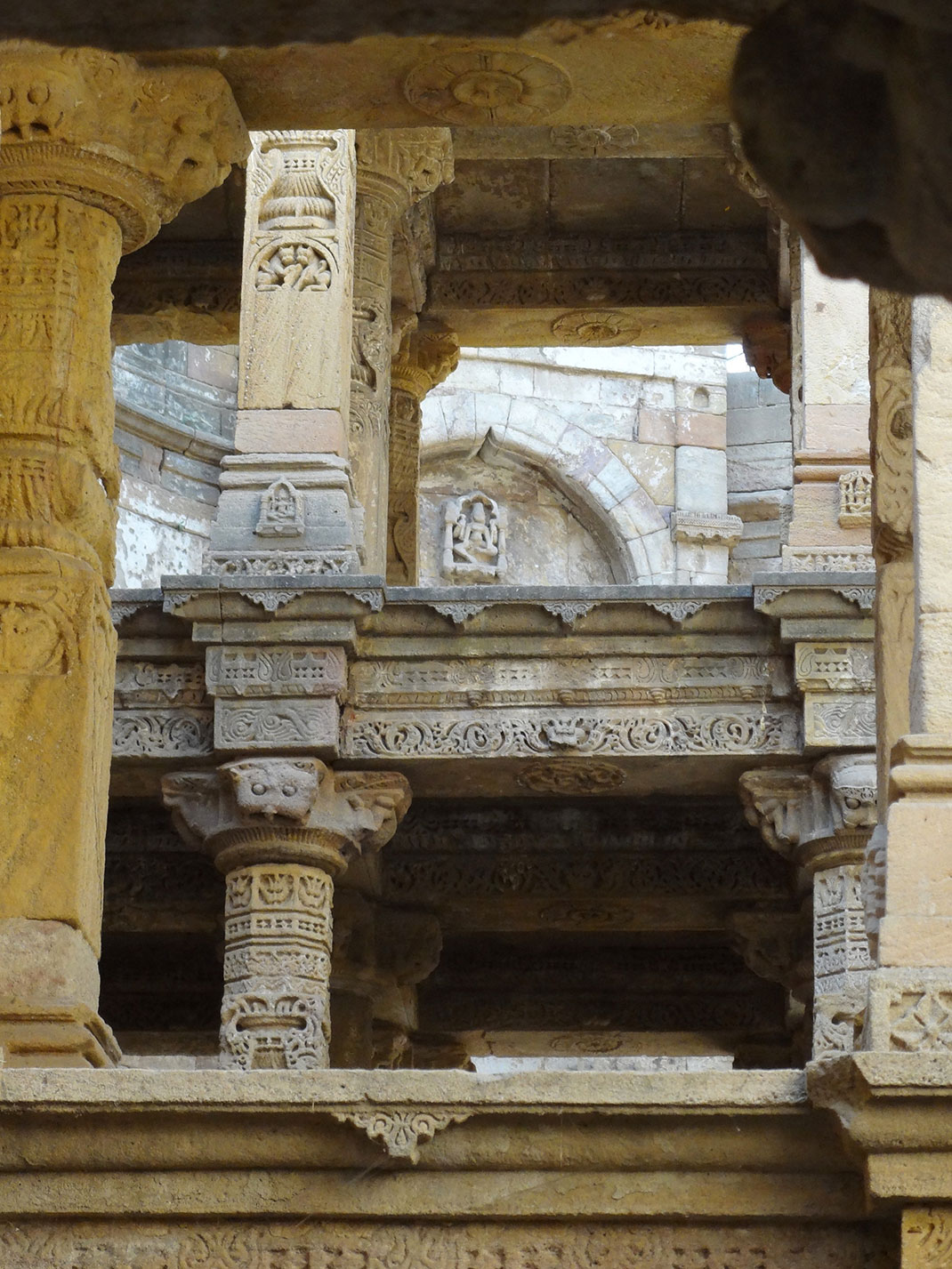 Admire These 2000 Year Old Somptous Buildings In India Destined To Disappear-24