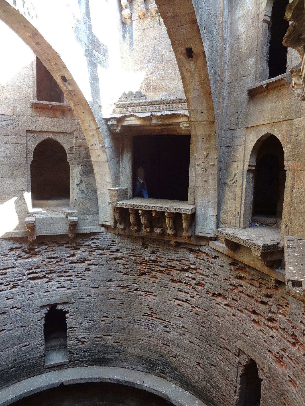Admire These 2000 Year Old Somptous Buildings In India Destined To Disappear-25