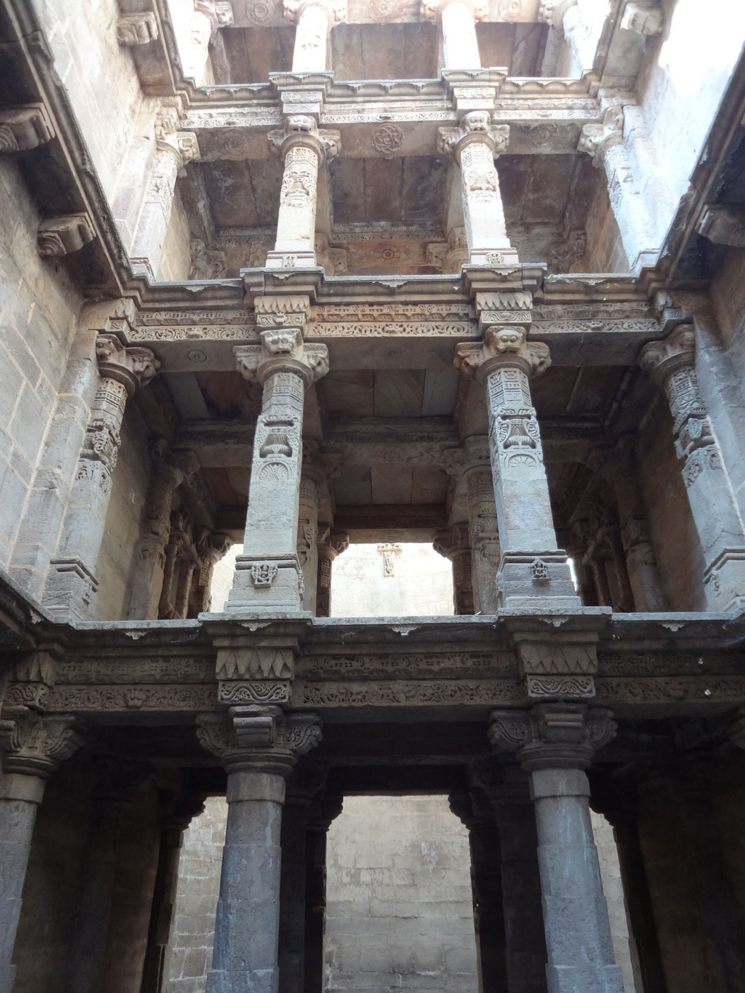 Admire These 2000 Year Old Somptous Buildings In India Destined To Disappear-26