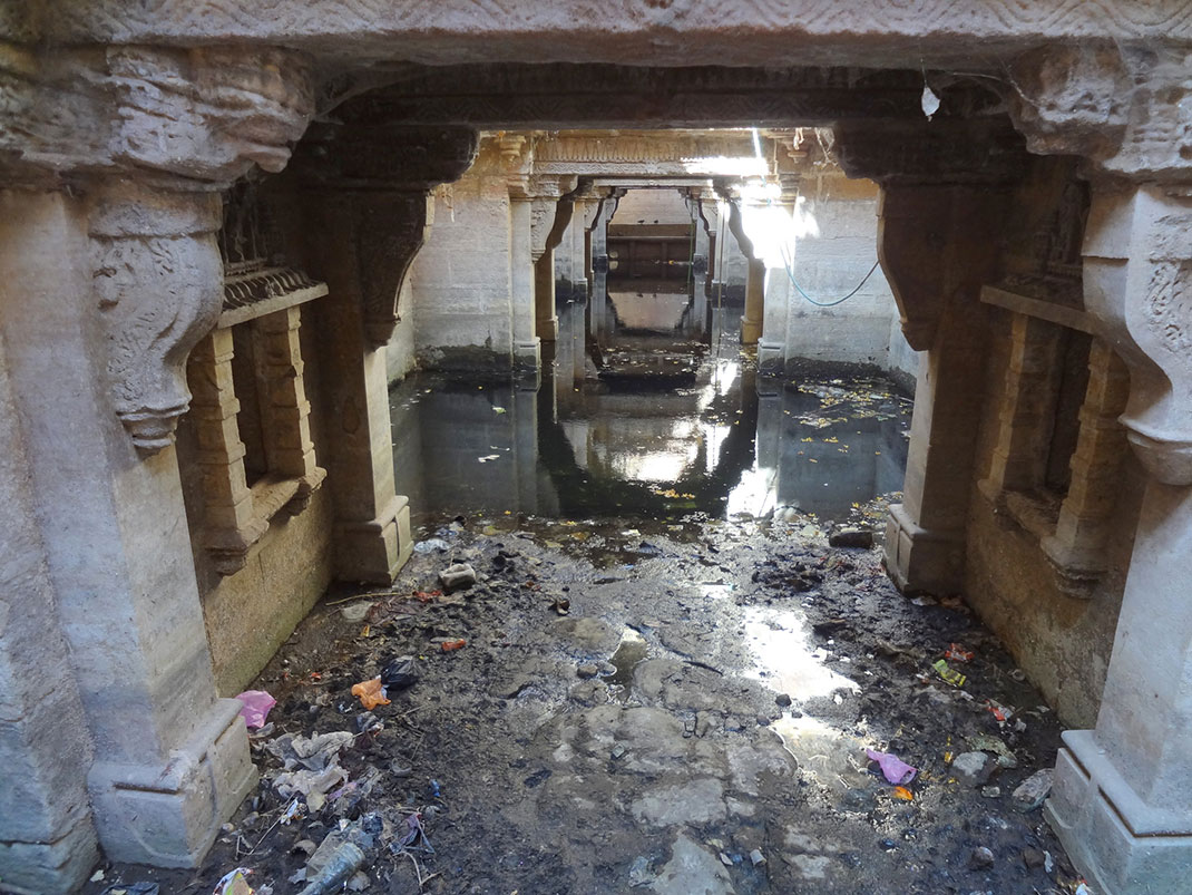 Admire These 2000 Year Old Somptous Buildings In India Destined To Disappear-31