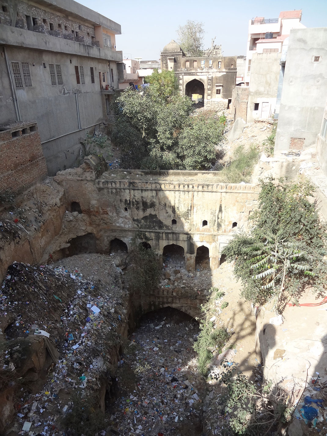 Admire These 2000 Year Old Somptous Buildings In India Destined To Disappear-36