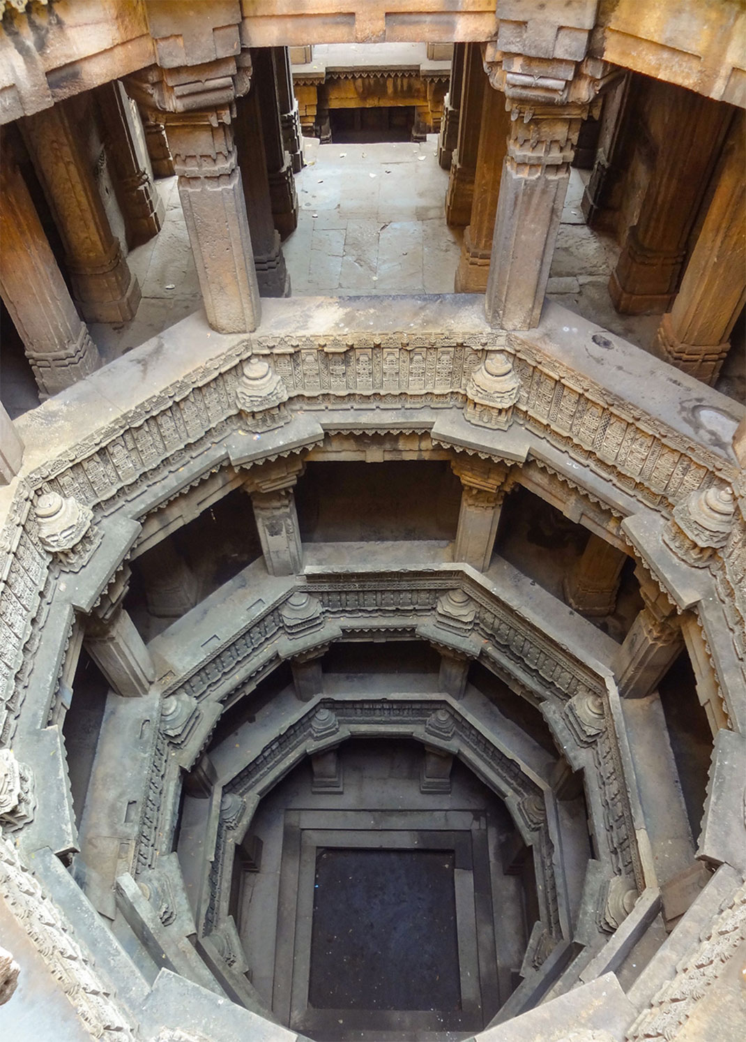 Admire These 2000 Year Old Somptous Buildings In India Destined To Disappear-7