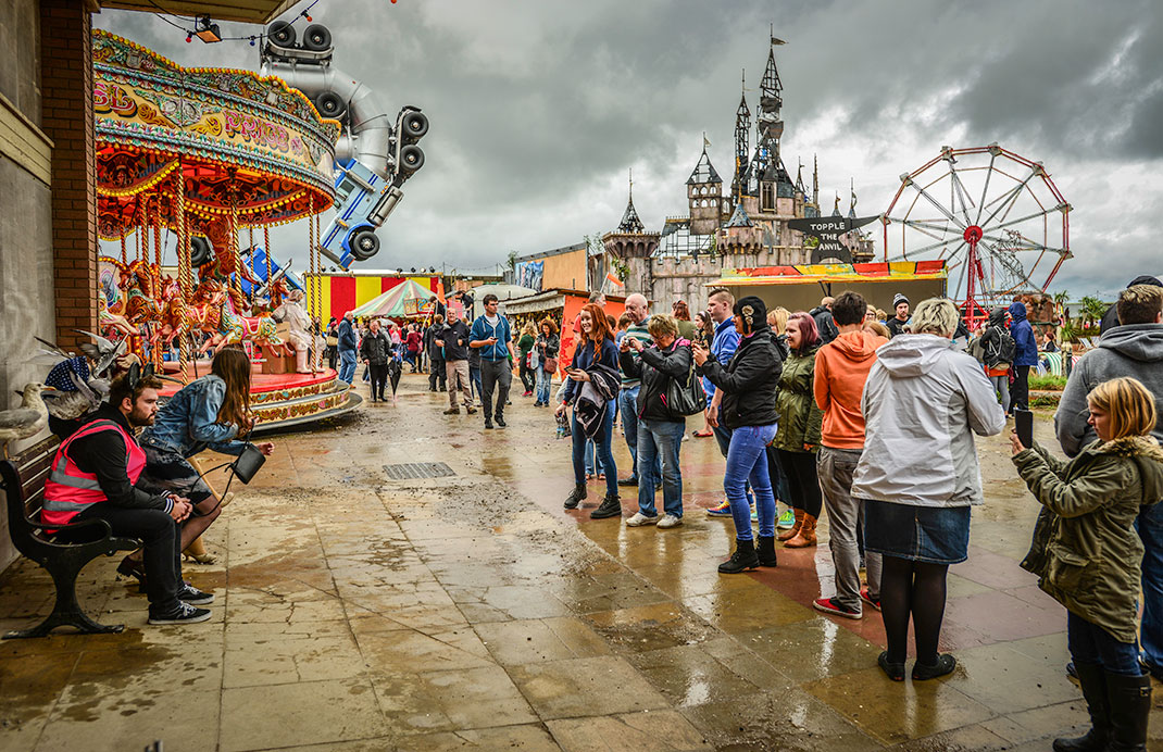 Dismaland- A Disneyland Like Park That Mocks The Decadence Of Our Society-2