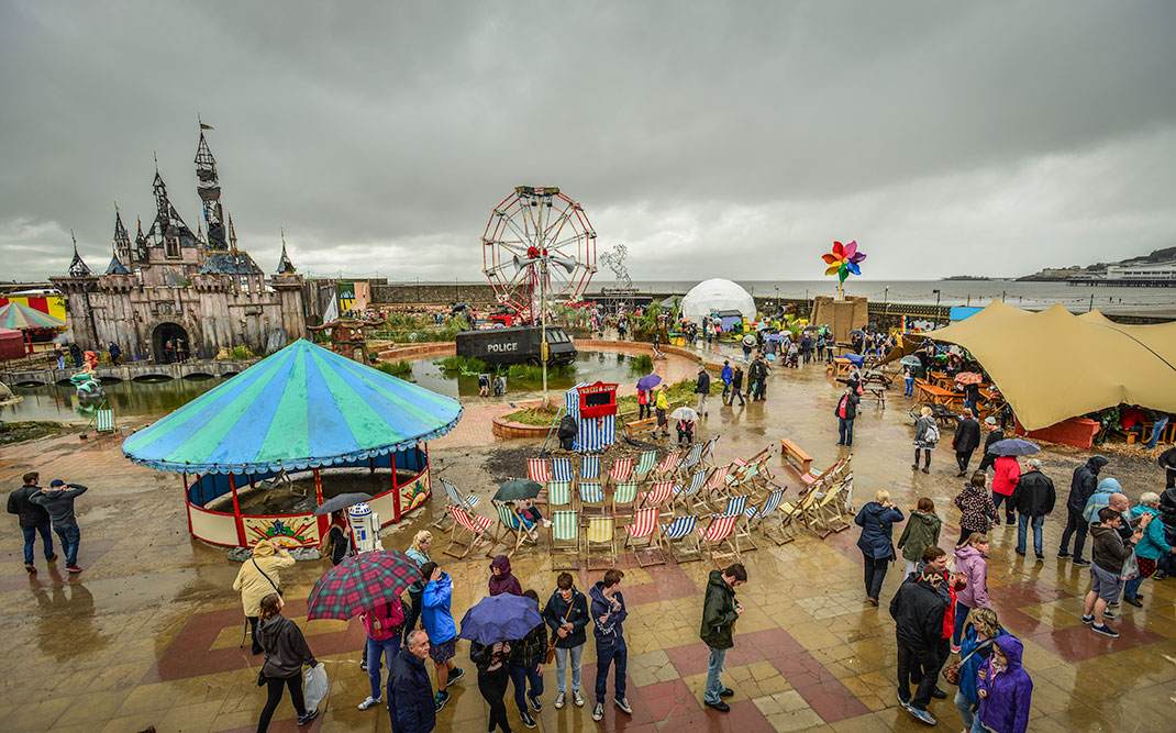 Dismaland- A Disneyland Like Park That Mocks The Decadence Of Our Society-26