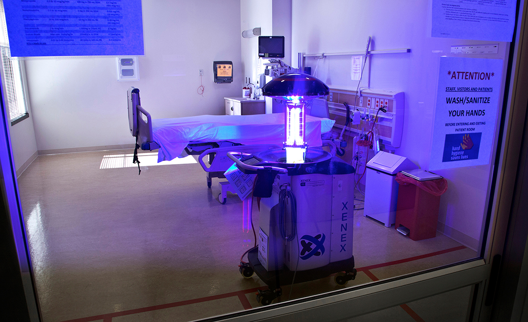 These Intelligent Robots Would Use Ultraviolet Light To Kill Germs In Hospitals-3
