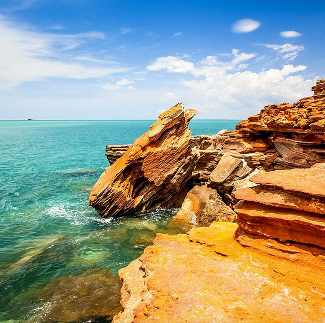 Towering Cliffs And Colorful Reefs Mesmerize You With Beauty Of Australian Coast-36
