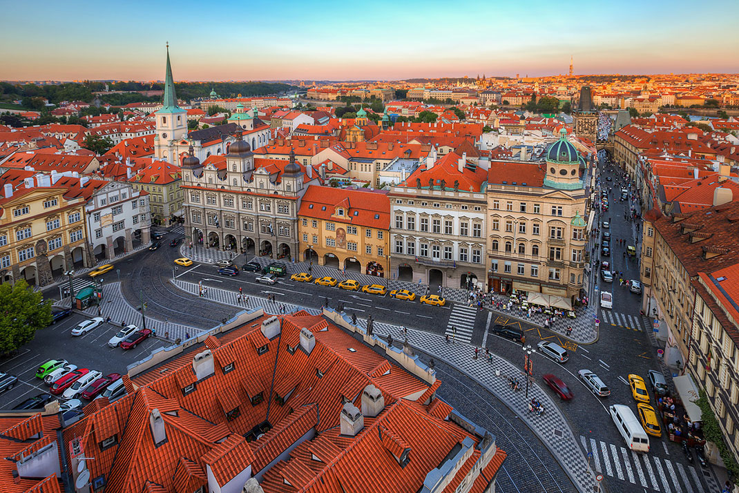 Wander The Colorful Streets Of Prague And Admire Its Wonderful Architecture-18