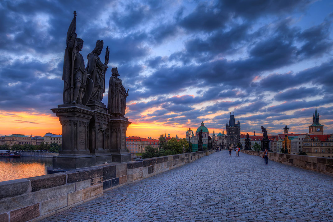 Wander The Colorful Streets Of Prague And Admire Its Wonderful Architecture-21
