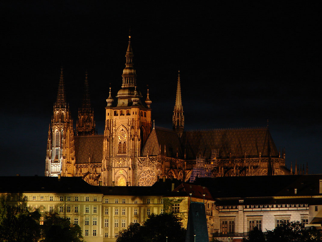 Wander The Colorful Streets Of Prague And Admire Its Wonderful Architecture-37
