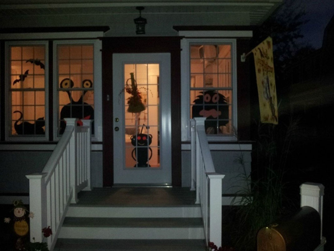These Halloween Decorations Convert Homes Into Real Horror Meuseums-