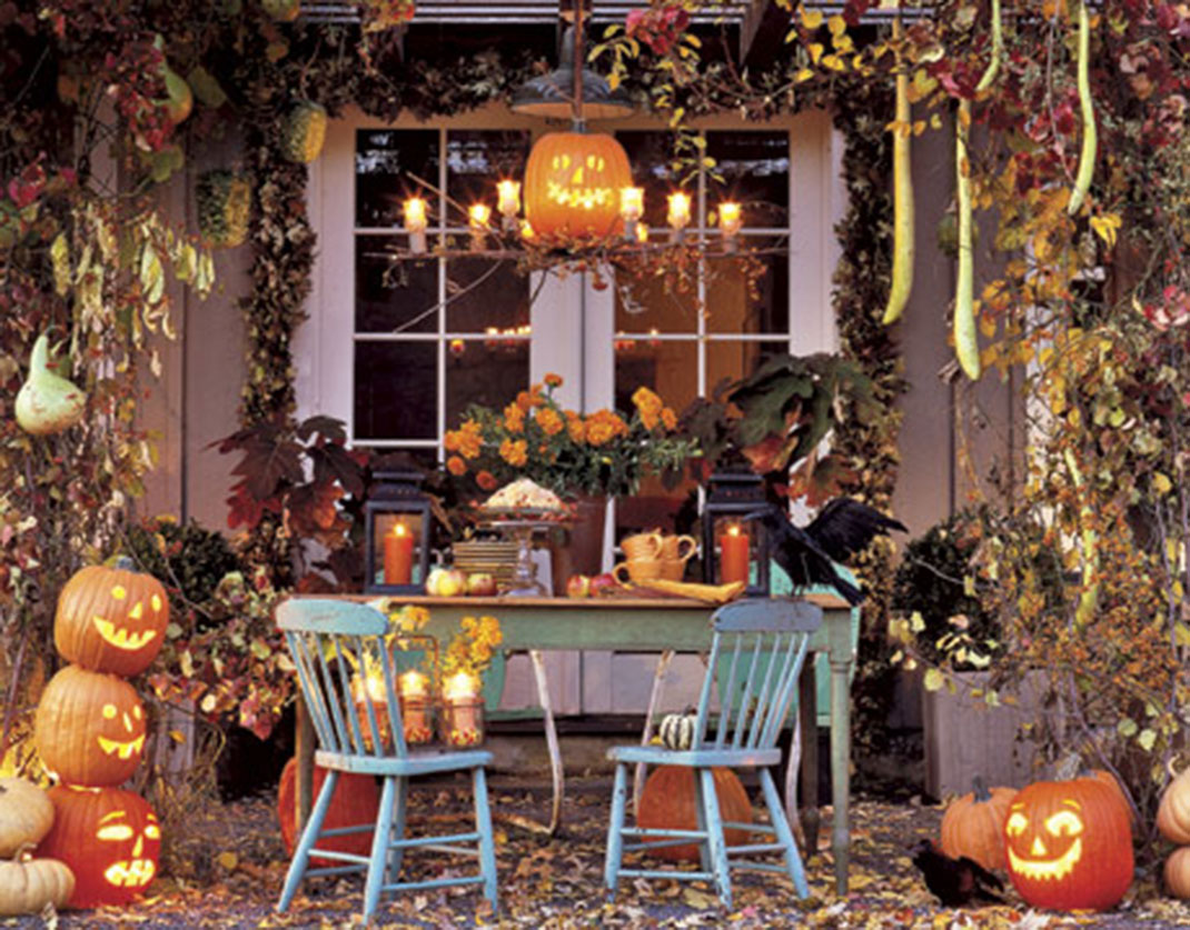 45 halloween decorations that convert homes into real for Scary halloween home decorations