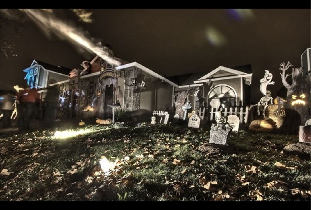 these halloween decorations convert homes into real horror meuseums 38 - Decorations For Homes