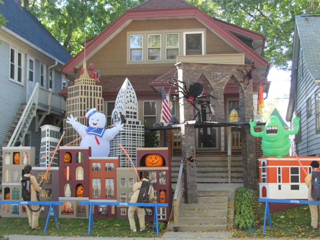 45 halloween decorations that convert homes into real - Decoration maison halloween ...