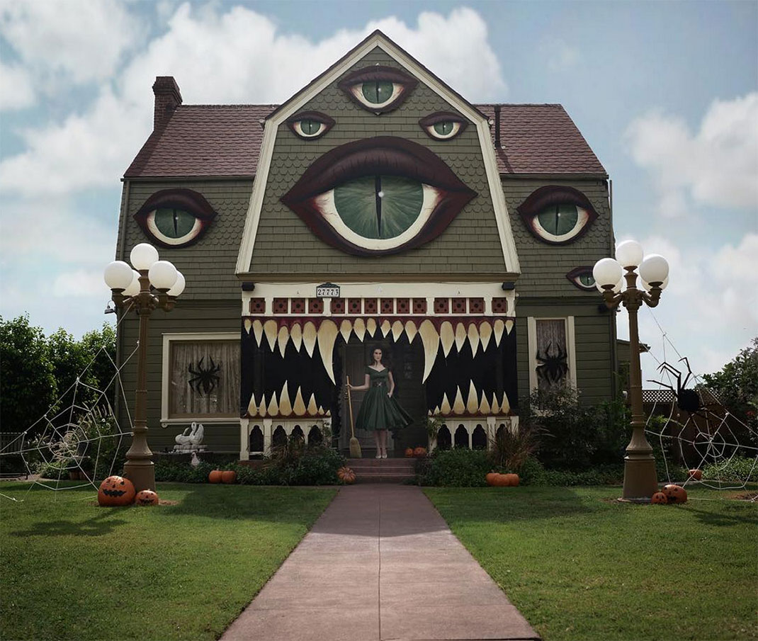 Elegant These Halloween Decorations Convert Homes Into Real Horror Meuseums 43