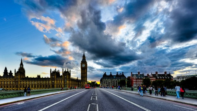 London wallpaper 1